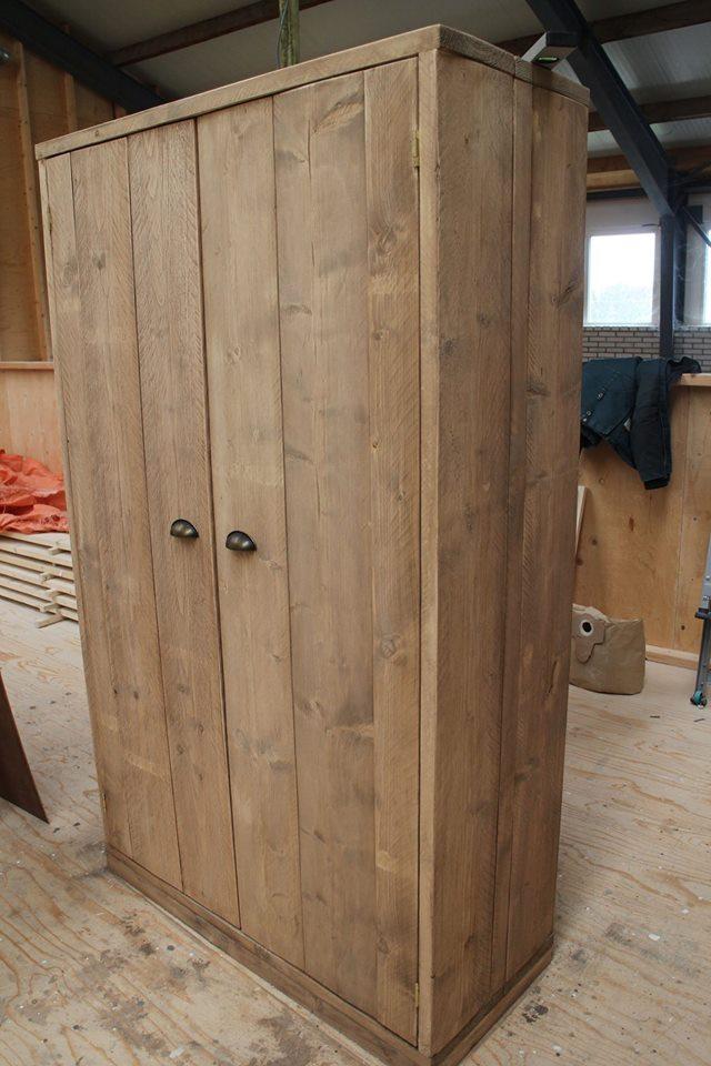 Kast van gebruikt steigerhout