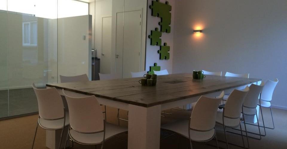 Conferentietafel op maat NAB Adviesbureau, 320cm x160cm x 76cm