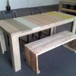 Eettafel va steigerhout, groen blauw geel