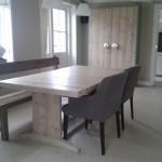 Tafel van steigerhout met twee poten