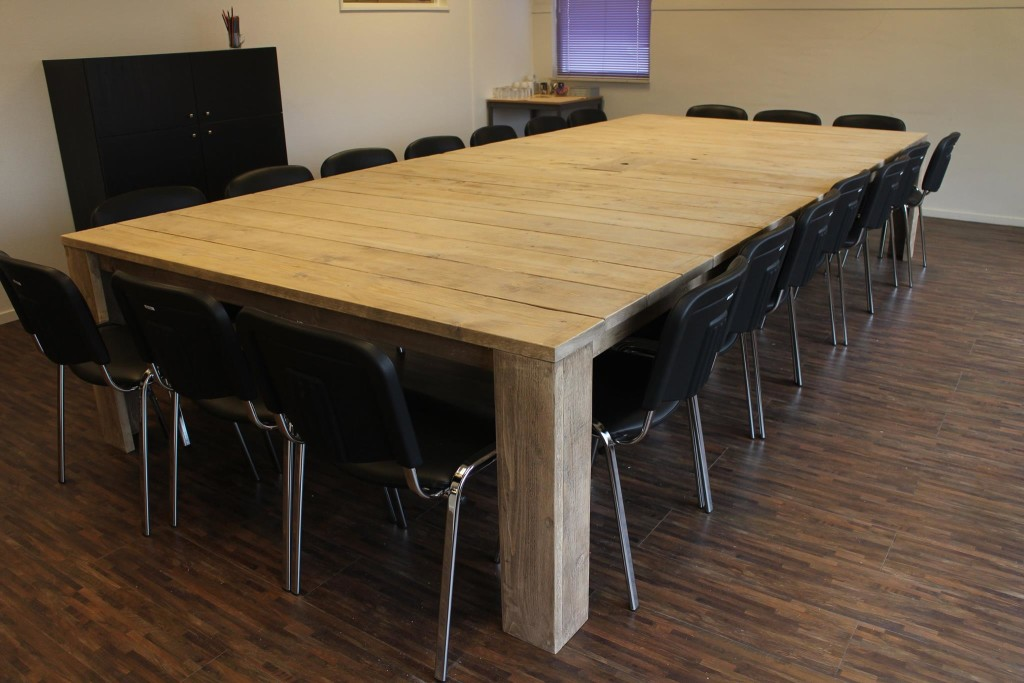 Vergadertafel steigerhout 20 personen