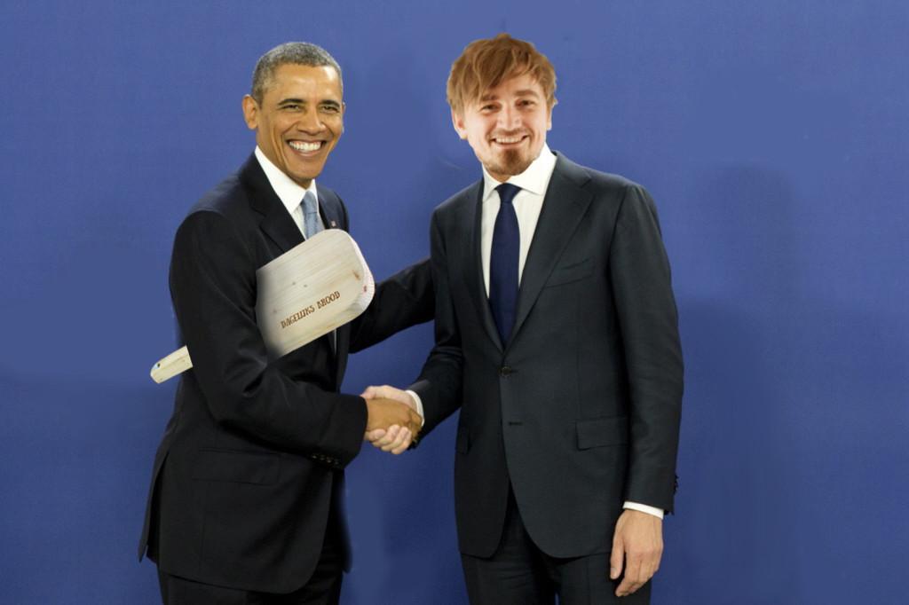 Obama is blij met z'n plank.